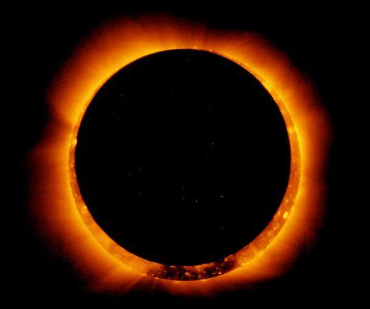 Cincin Api Gerhana Matahari Total
